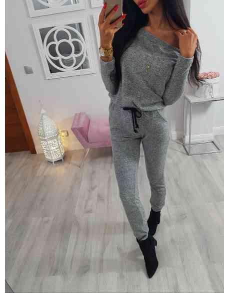 Kombinezon sweterkowy