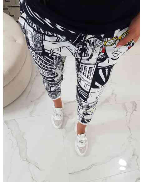 """Spodnie """"Komiks Black&White"""""""